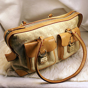 FAIR CONDITION TAN DOONEY & BOURKE PURSE HANDBAG